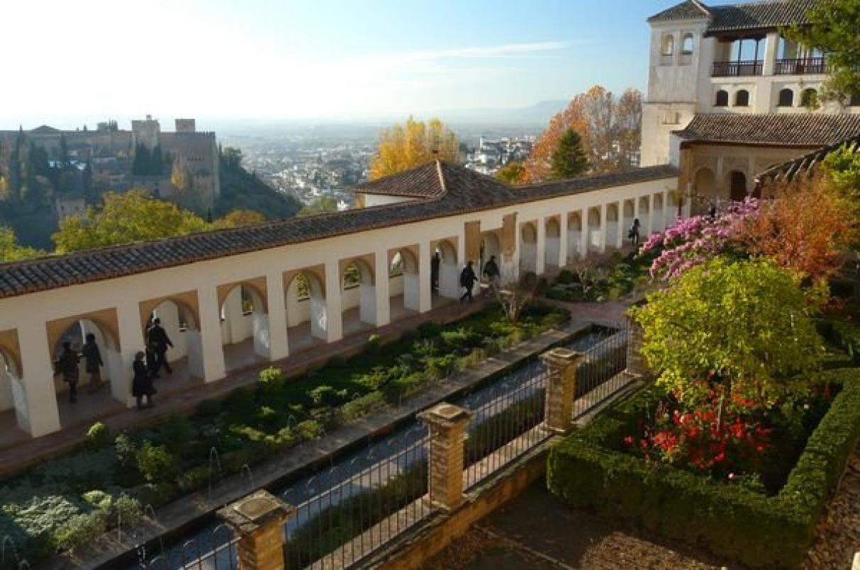Ida 2015 andalusien pbgestalter schule for Generalife gardens